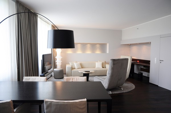 swissotel suiten raumkontor. Black Bedroom Furniture Sets. Home Design Ideas